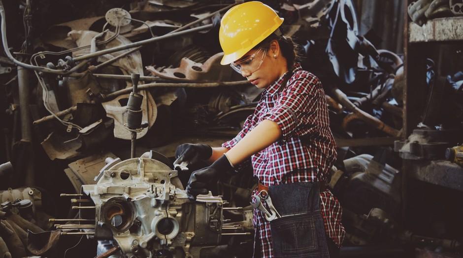 fábrica, trabalhadora, industria (Foto: Reprodução/Pexels)