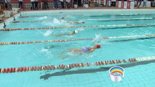 """Swim4change em São José: Léo de Deus destaca """"reunião da natação"""""""