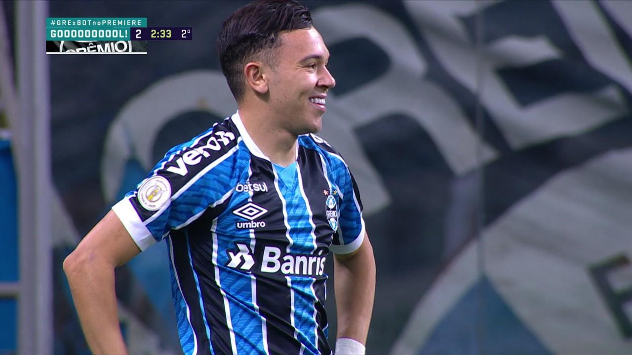 Gol do Grêmio! Diego Souza recebe de costas protege e rola para Pepê finalizar, aos 2 do 2º