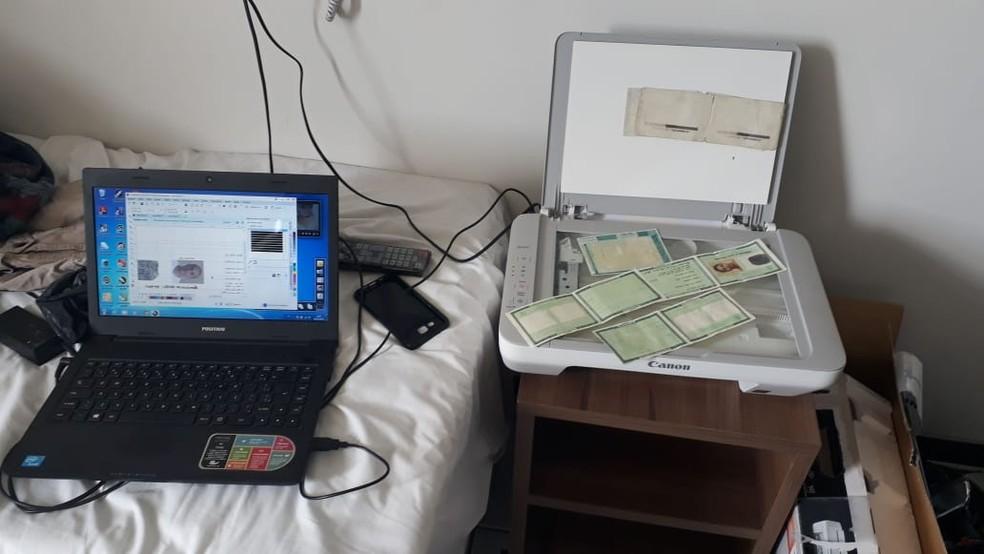 Material encontrado com o trio em um hotel de Campina Grand — Foto: Polícia Civil/Divulgação