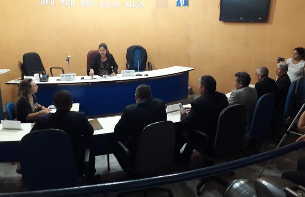 Maioria dos vereadores da Câmara de Vereadores de Davinópolis decidiu afastar José Rubem da prefeitura — Foto: Divulgação