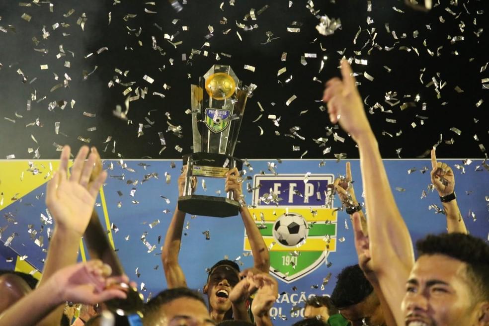 Fluminense-PI campeão piauiense sub-19 — Foto: Stephanie Pacheco/GloboEsporte.com