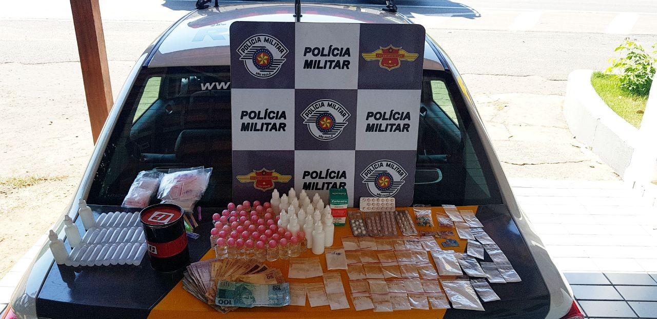 Polícia apreende 98 frascos de lança-perfume e 47 comprimidos de ecstasy em rodovia de Capivari