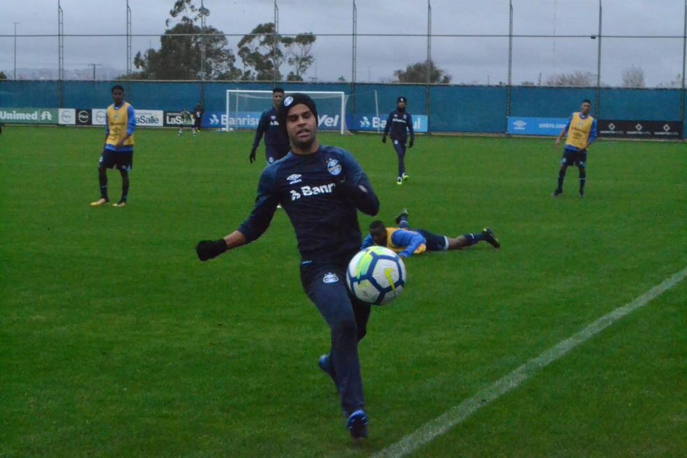 Alisson pode começar a partida contra o Vitória (Foto: Beto Azambuja / GloboEsporte.com)
