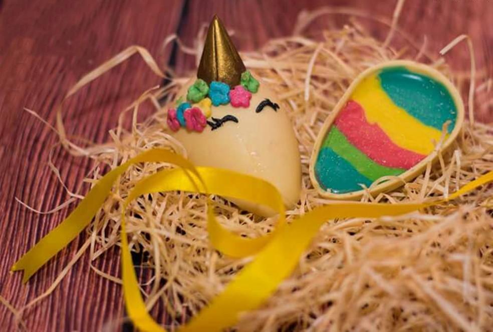 Doceira de Tatuí faz ovos de Páscoa inspirados no unicórnio (Foto: Arquivo Pessoal/Daniele Correa)