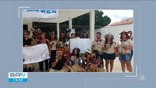Professores indígenas do norte da Bahia protestam contra descontos indevidos nos salários