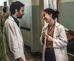 Julio Andrade e Marjorie Estiano em 'Sob pressão' | Maurício Fidalgo/ TV Globo
