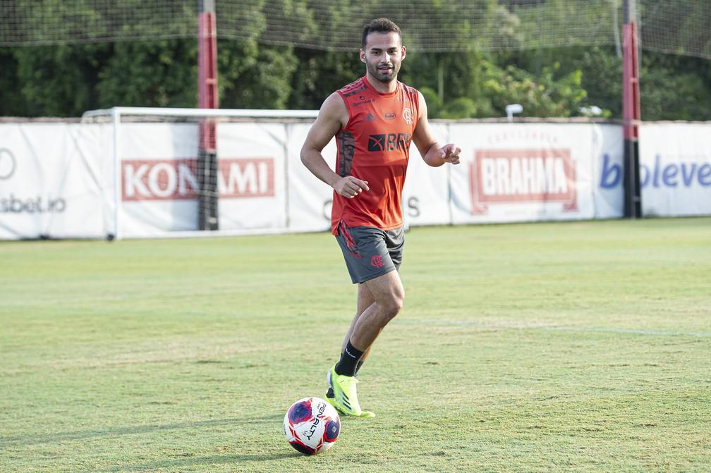Thiago Maia, do Flamengo, atinge metade de prazo de recuperação e inicia recondicionamento físico