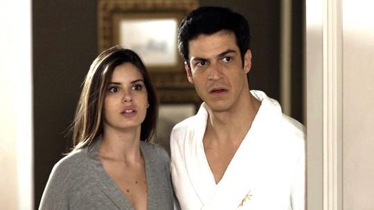 Eric e Luíza descobrem que ladrão do hotel está preso