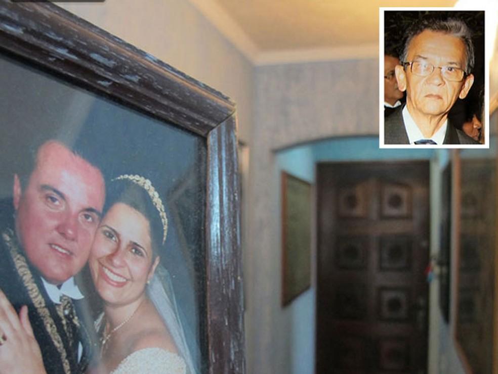 Casal Eduardo e Ieda Martins (no porta-retrato) são acusados de matar o zelador Jezi Souza (detalhe ao alto) no apartamento onde morava na Zona Norte em 2015; corpo da vítima foi esquartejado em 17 partes (Foto: Kleber Tomaz/G1 e Arquivo Pessoal)