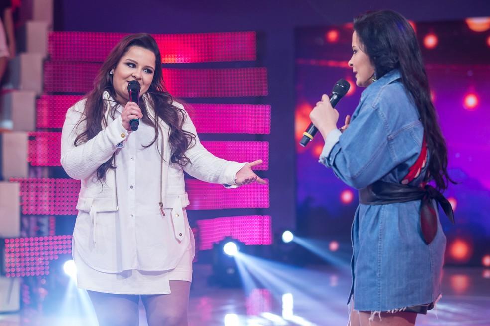 Maiara e Maraísa no palco do 'Caldeirão', em 2017 — Foto: Artur Meninea/Gshow