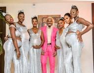 Playboy vai a casamento de ator na Nigéria com suas seis mulheres grávidas e desperta polêmica mas redes