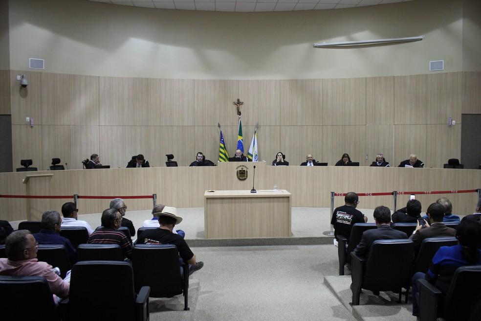 Tribunal de Contas do Estado do Piauí decidiu em sessão plenária nesta quinta-feira (4) — Foto: Lucas Marreiros / G1