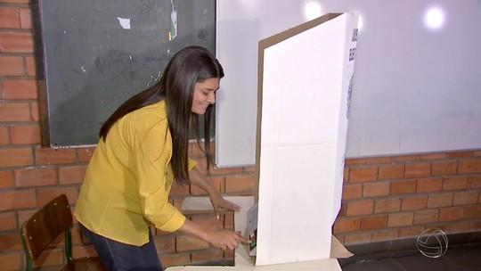 Rose Modesto vota em Campo Grande