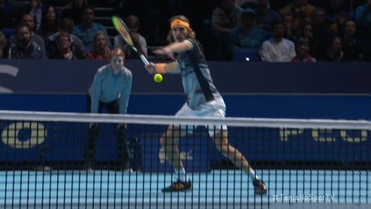 Rei de Londres: Tsitsipas vence ATP Finals aos 21 anos e se firma como estrela do tênis
