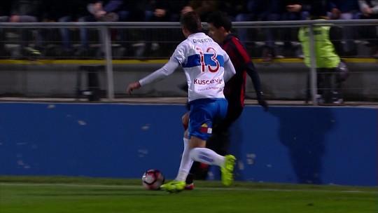 """Com linda caneta na vitória épica do Furacão, Pablo é o mais """"abusado"""""""