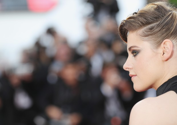 "CANNES, FRANCE - MAY 08:  Jury member Kristen Stewart attends the screening of ""Everybody Knows (Todos Lo Saben)"" and the opening gala during the 71st annual Cannes Film Festival at Palais des Festivals on May 8, 2018 in Cannes, France.  (Photo by Vittori (Foto: Getty Images for Kering)"