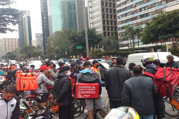 Diversos entregadores de bicicleta e moto se juntaram para protestar contra as condições de trabalho (Foto: SindimotoSP)
