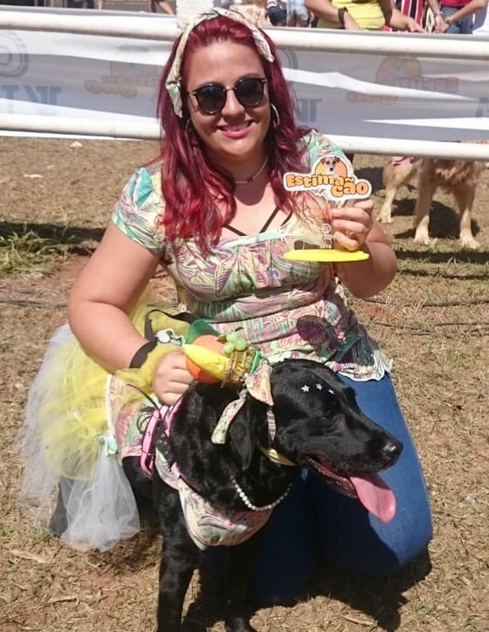Pandora de cinco anos ganhou na categoria de cãozinho mais simpático — Foto: Francielle Souza/G1