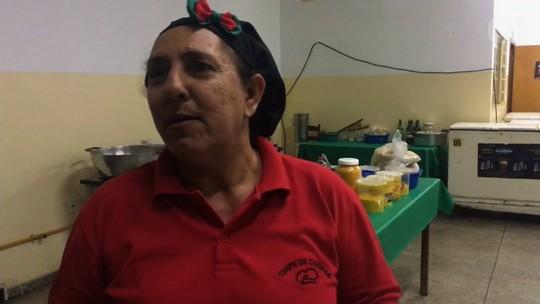Após perder dois filhos, ex-vendedora se inspira em Ana Maria Braga, vira chef de cozinha e supera depressão
