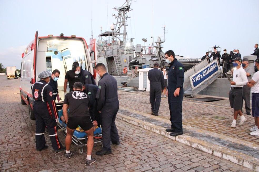Francês é resgatado em veleiro que navegava a 240 km de Natal — Foto: Cedida/Marinha do Brasil
