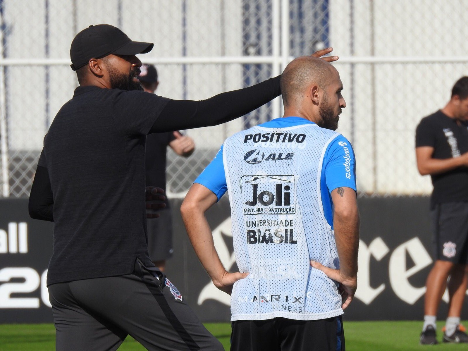 Reapresentação: Coelho comanda primeiro treino em meio a dúvidas; veja a provável escalação