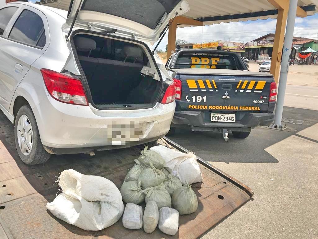 Trio é detido com 20,6 kg de maconha na BR-232, em Caruaru
