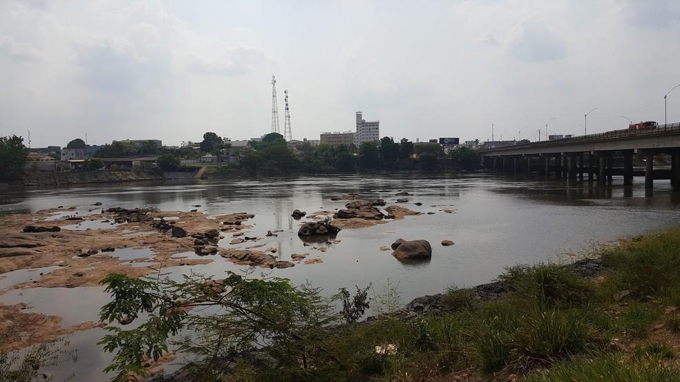 Risco de afogamentos aumenta pois os moradores frequentam mais os rios na época da seca (Foto: Marco Bernardi/G1)