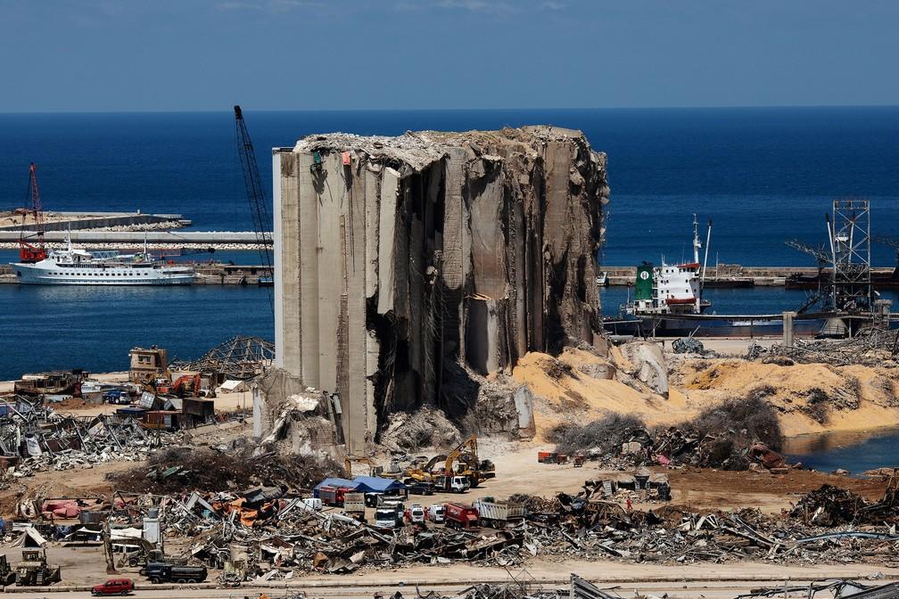 Local da explosão no porto de Beirute, no Líbano, em foto de 17 de agosto — Foto: Alkis Konstantinidis/Reuters