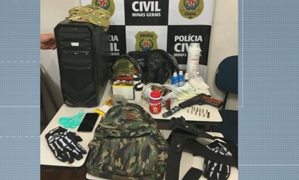 Polícia apreende arma, munições e explosivos com estudantes em Varginha — Foto: Polícia Civil