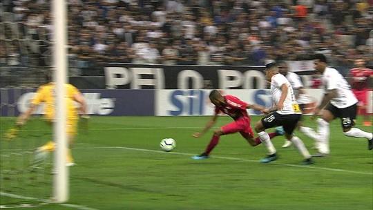 Veja os gols e os melhores momentos de Corinthians 2x2 Athletico, pela 24ª rodada