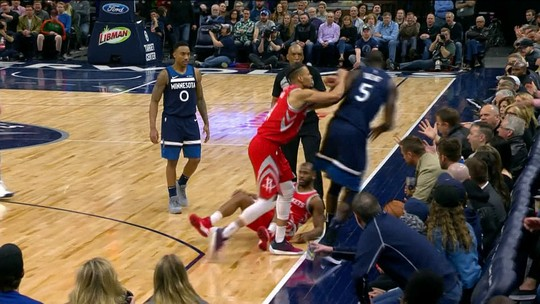 Harden decide, e Rockets sobrevivem aos Timberwolves em jogo com confusão