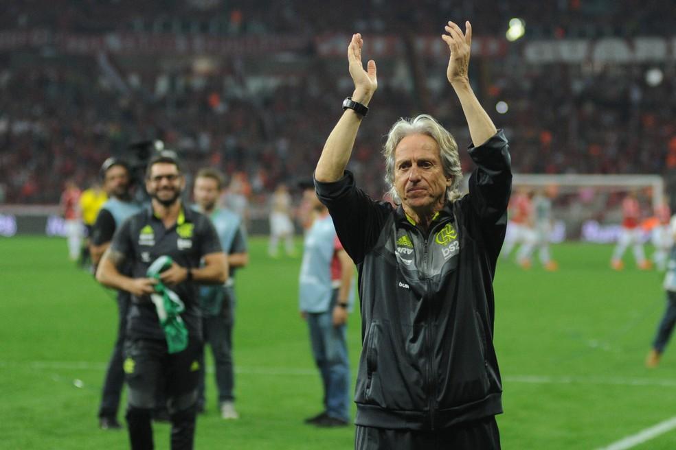 Jorge Jesus comemora classificação no Beira-Rio  — Foto: Wesley Santos/Agência PressDigital
