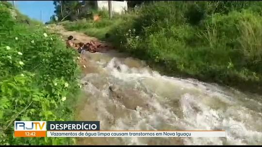 Vazamento de água limpa em Nova Iguaçu