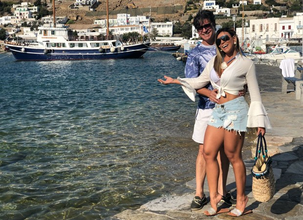 Fabiana Teixeira e o marido, Alessandro Toniello (Foto: Reprodução/Instagram)