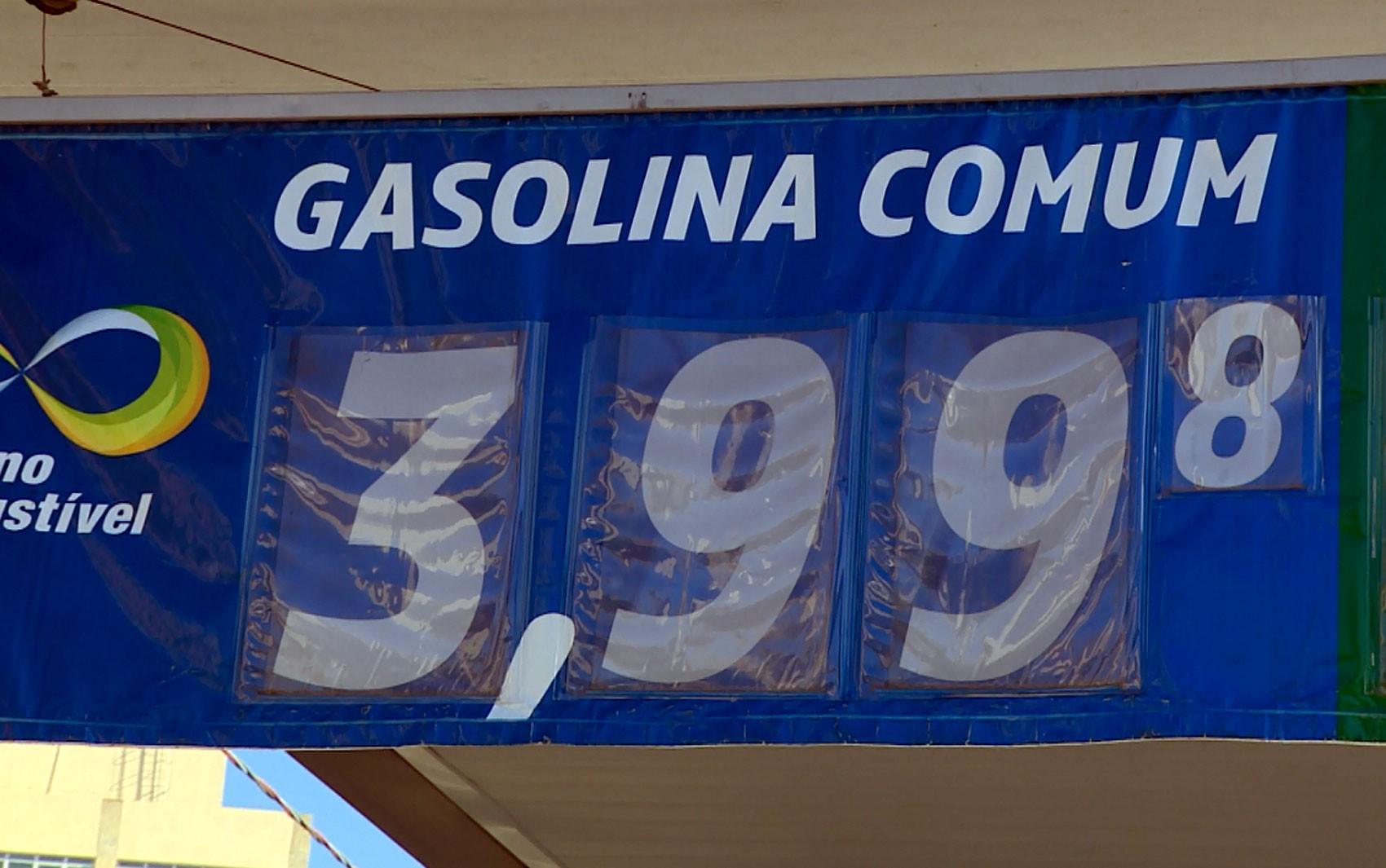 Gasolina fica abaixo de R$ 4 pela primeira vez no ano em Porto Velho - Notícias - Plantão Diário