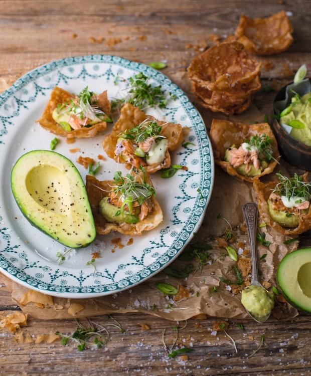 Cestinhas de homus de abacate, truta e maionese de wasabi (Foto: StockFood /Great Stock!)