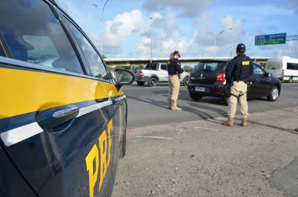 Ações foram registradas pela PRF entre os dias 14 e 15 de novembro em Pernambuco — Foto: Polícia Rodoviária Federal/Divulgação