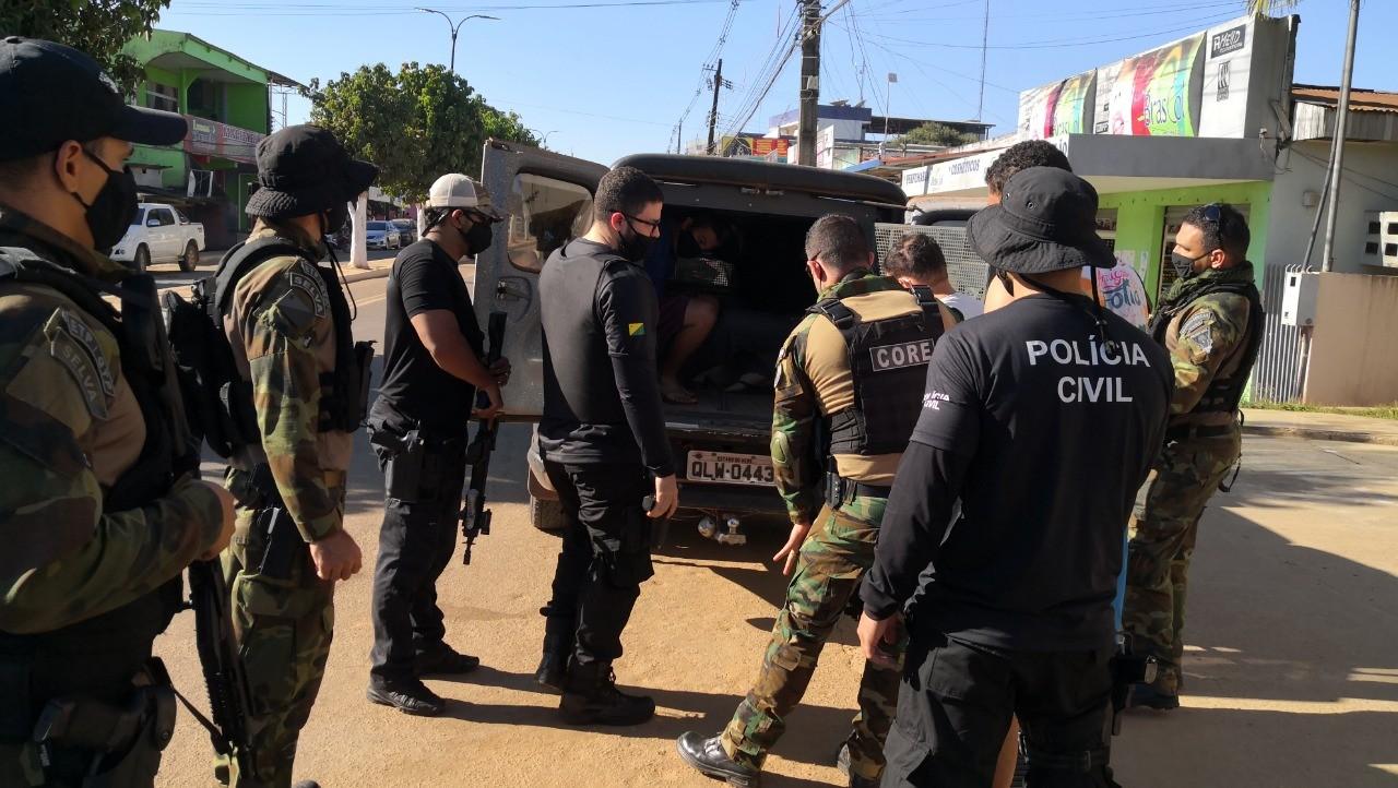 Operação na fronteira desarticula quadrilha envolvida em roubos e furtos de veículos no AC