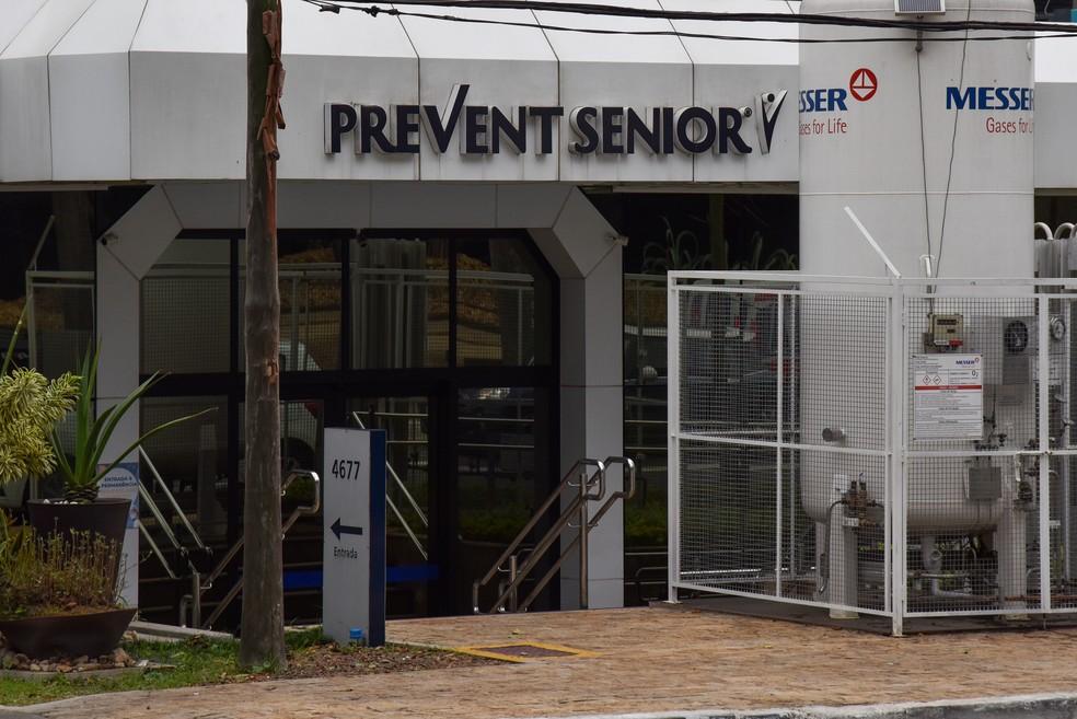 Movimentação em Hospital da Prevent Senior, na zona sul de São Paulo, nesta quinta feira (16). — Foto: ROBERTO CASIMIRO/FOTOARENA/FOTOARENA/ESTADÃO CONTEÚDO