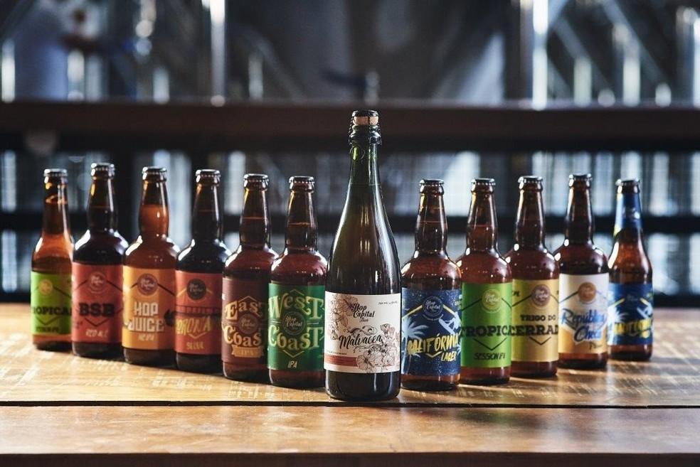 Os 11 rótulos da Hop Capital Beer — Foto: Raimundo Sampaio