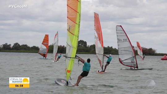 Competição de windsurfe atrai velejadores e turistas para a cidade de Paulo Afonso