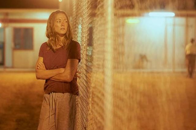 Yvonne Strahovski em 'Estado zero', da Netflix (Foto: Divulgação)