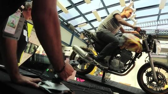 Hackathon Globo 2016 leva 'simulador de moto' e robôs ao jardim do BBB