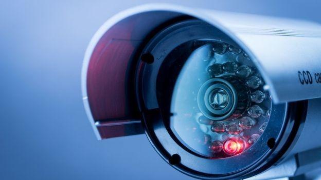 Sistemas de vigilância têm substituído trabalhos tradicionalmente executados por policiais (Foto: Getty Images via BBC News Brasil)