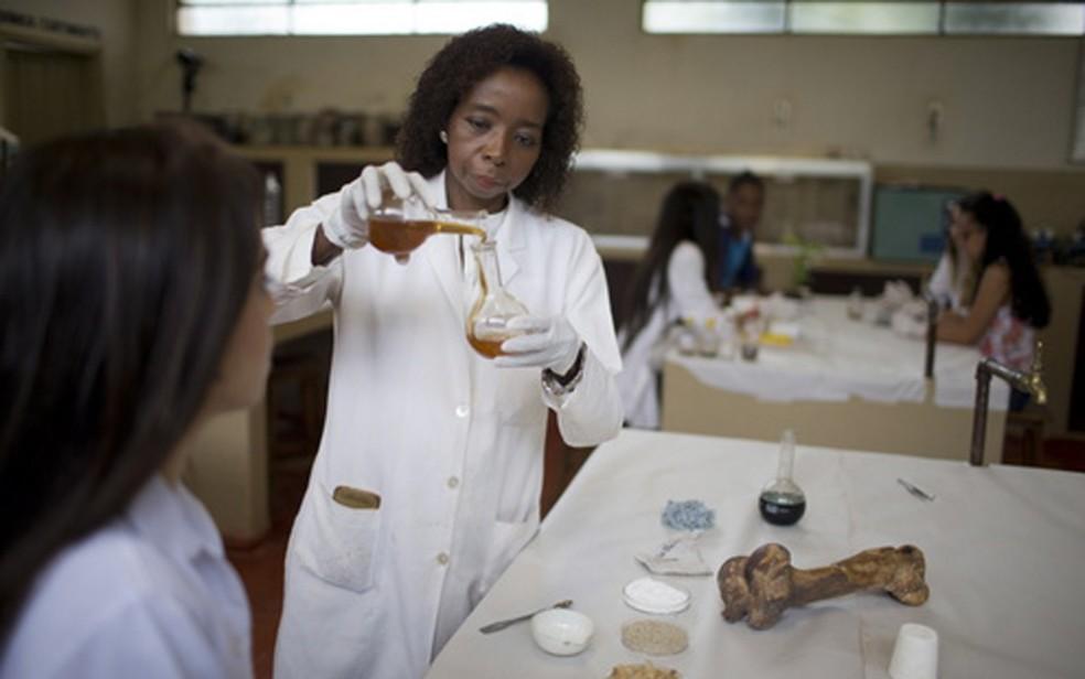 Para pesquisadora de Franca (SP), Joana D'Arc, projetos de inovação ajudam a reduzir a evasão escolar — Foto: Divulgação