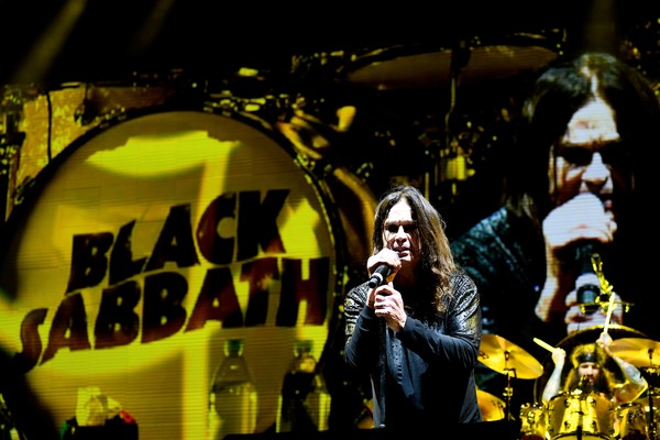 O músico Ozzy Osbourne em show da turnê final do Black Sabbath (Foto: Getty Images)
