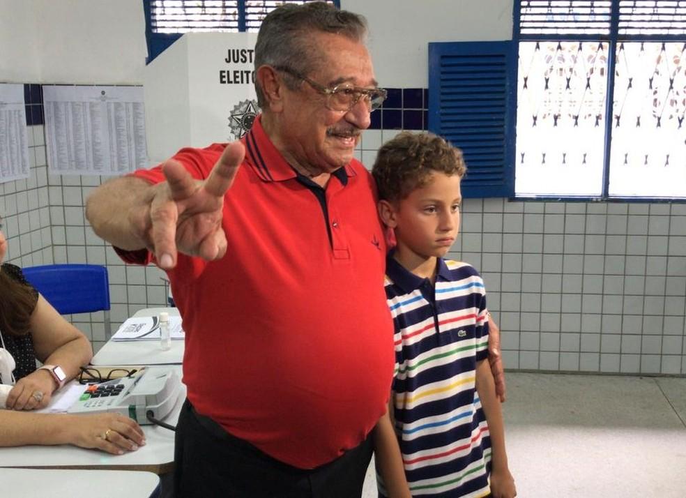José Maranhão (MDB) vota em João Pessoa — Foto: Suetoni Souto Maior/Jornal da Paraíba