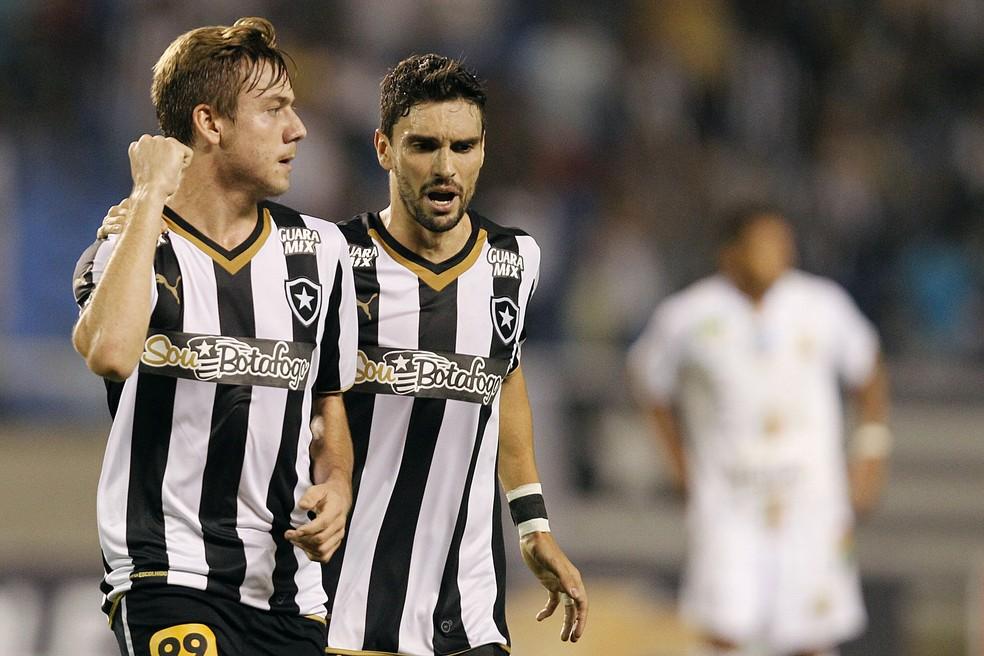 Aos 17 anos, Luís Henrique estreou no profissional com dois gols (Foto: Vitor Silva / SSPress)