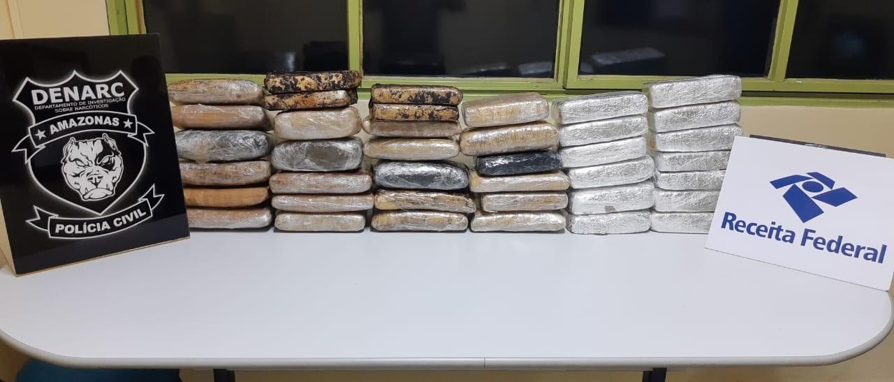 Quarenta tabletes de maconha são apreendidos em duas embarcações no AM - Notícias - Plantão Diário